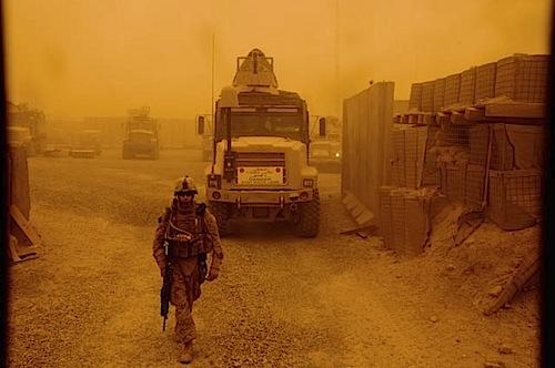 zoriah_iraq_war_anbar_embed_termination_sand_storm.jpg
