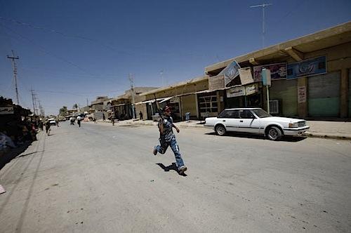 zoriah_iraq_war_fallujah_suicide_bomb_blast_militia_run