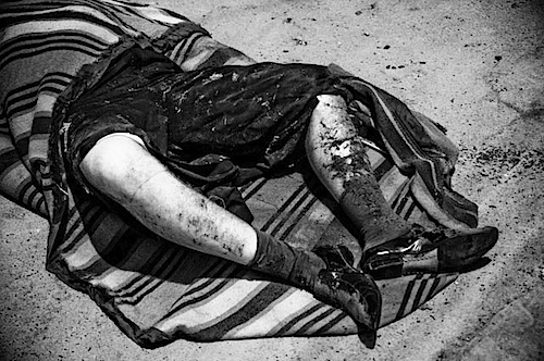 zoriah_iraq_war_fallujah_suicide_bomb_dead_covered