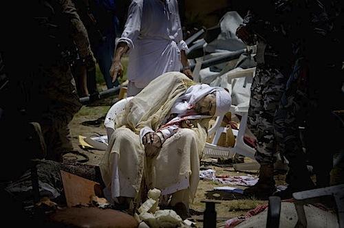 zoriah_iraq_war_fallujah_suicide_bomb_dead_elderly_old_man_sheik_chair