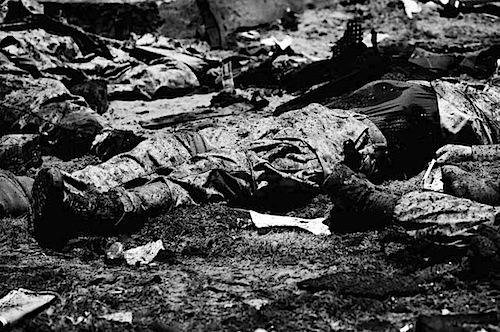 zoriah_iraq_war_fallujah_suicide_bomb_death_burnt_bodies_courtyard